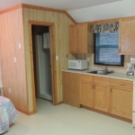 Big Whiteshell Lodge Studio Bed & Bath Room